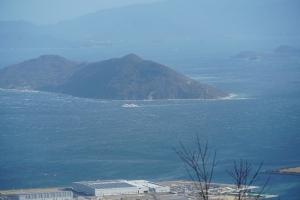 白波の建つ瀬戸内強風