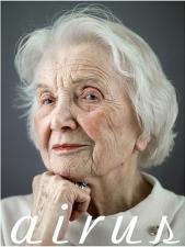 100歳の女性
