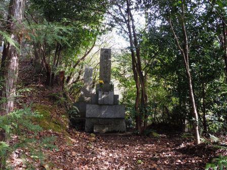 墓10(2019-12-28).