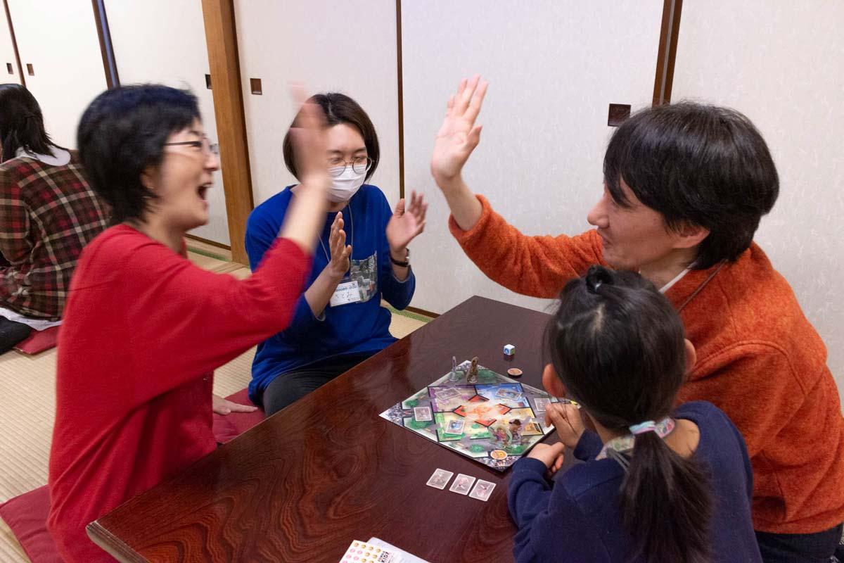 2020-02-02 親子でボードゲームとお寿司:ゾンビキッズでハイタッチ