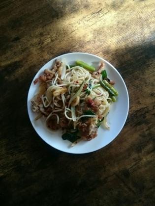 20200119豚肉と野菜の炒めものスパゲッティー