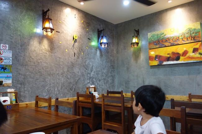 Thai smile Restaurant店内.jpg