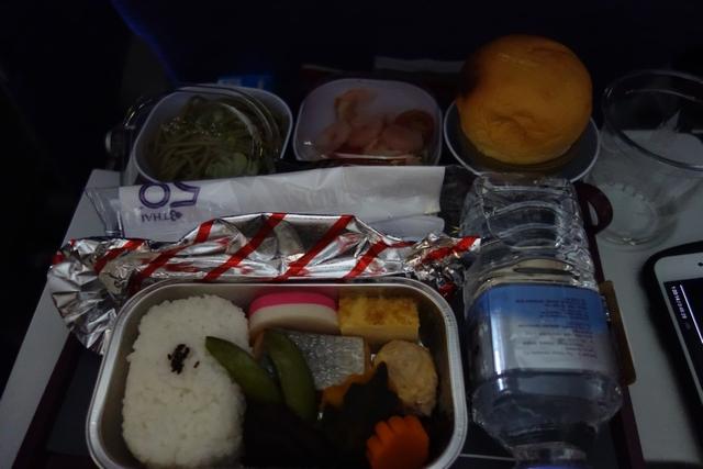 タイ航空TG660機材エコノミー機内食大人.jpg