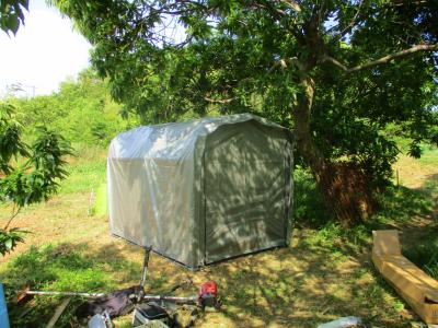 200602収納テント設置2