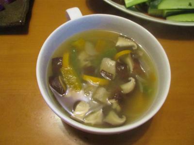 200708椎茸と野菜のスープ