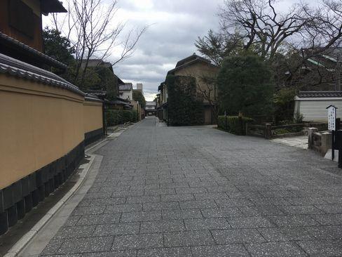 本法寺前の小川通_H31.02.08撮影