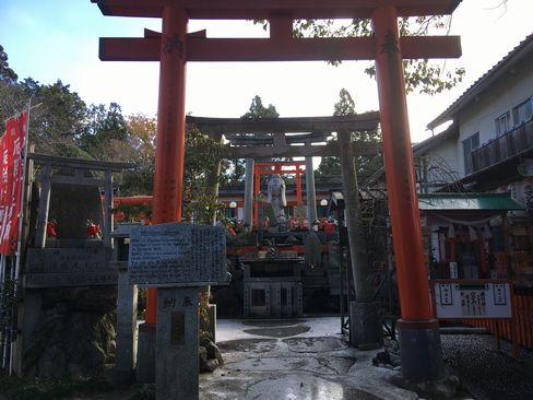 稲荷山・八霊社_R01.12.27撮影