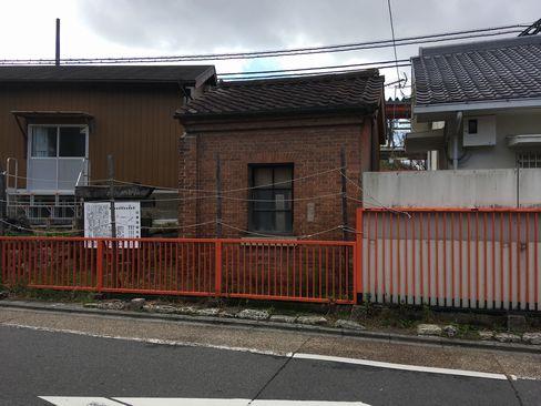 稲荷駅・ランプ小屋_R01.12.27撮影