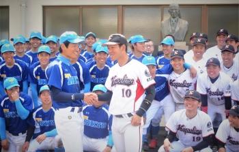200306-0両主将握手