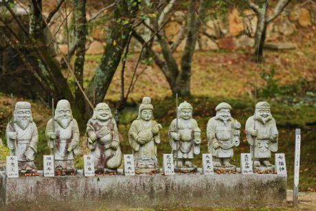 「七福神」の中でたった1人、日本出身の神様は誰?