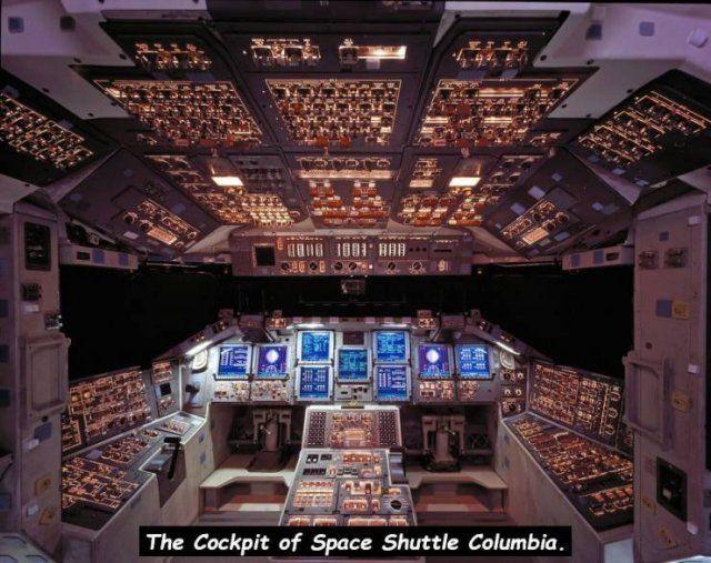 スペースシャトルコロンビア コックピット