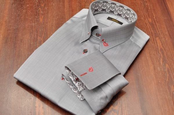 ピンホール刺繍シャツ