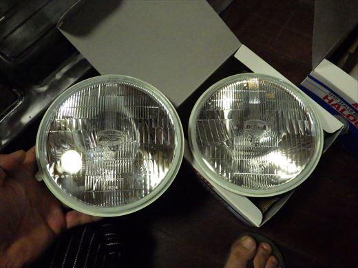 ヘッドライト組付け (2)
