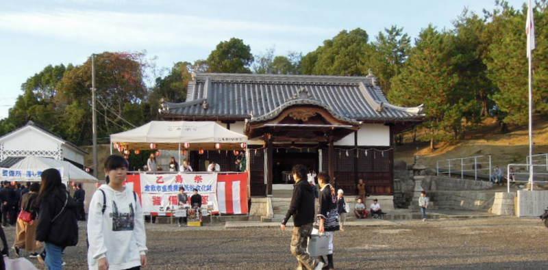 戸島神社境内風景