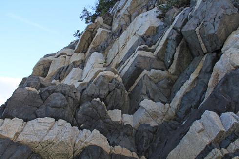 鹿浦越のランプロファイヤ岩脈2020-10