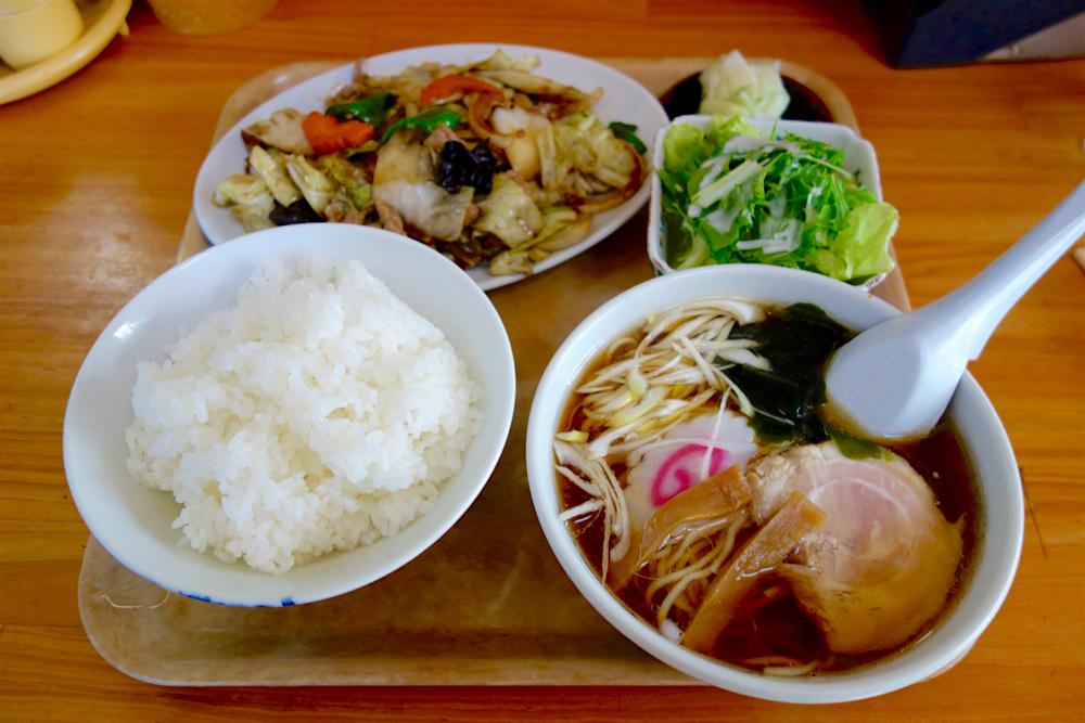やまよし@小山市西城南 肉野菜炒め定食