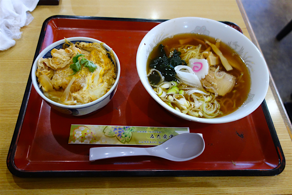 みた食堂@小山市卒島 ラーメン+ミニカツ丼