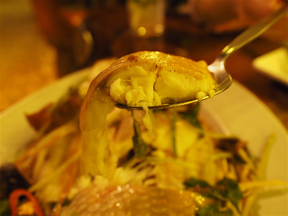 プーケット旅行記 その3 Praise Pearl Bungalow レストラン 蒸し魚2
