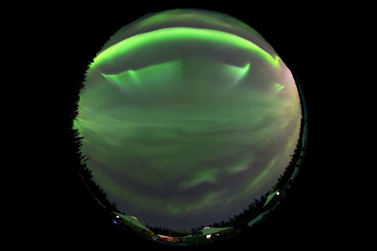 aurora_190201_wh_d850_8mm_f35_5s_iso3200_9031_1200.jpg