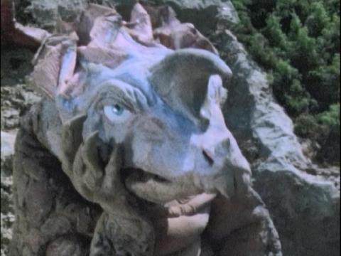 カプセル怪獣 アギラ