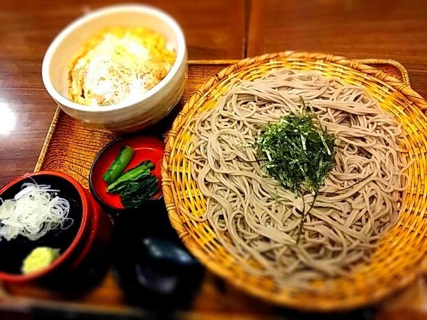 2 おらが蕎麦 枚方ビオルネ店 カツ丼定食 税別 746円