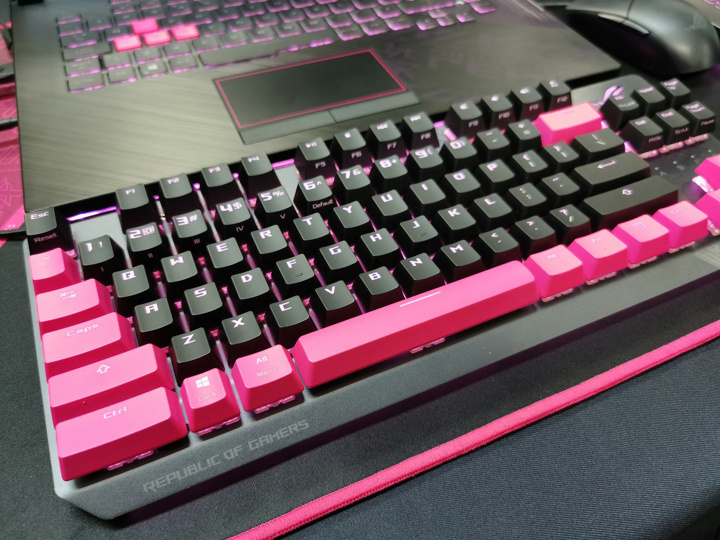 ASUS_ROG_Strix_Scope_TKL_Electro_Punk_03.jpg
