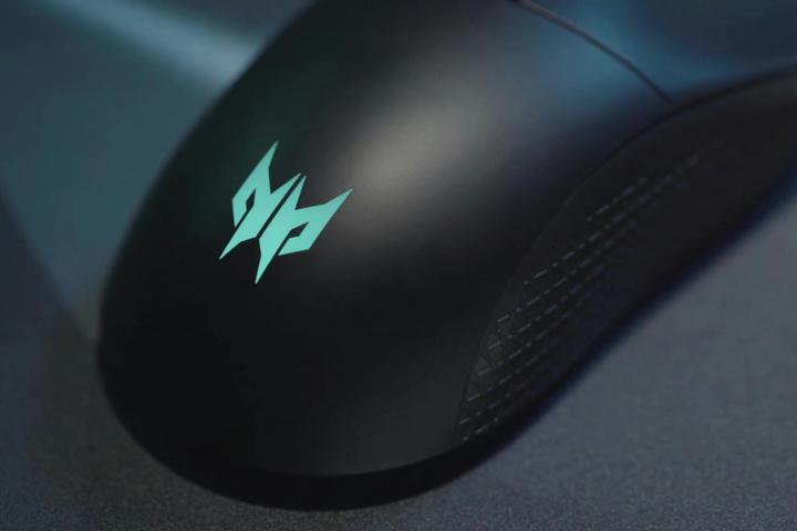 Acer_Predator_Cestus_350_03.jpg