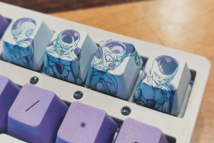 Akko_DragonBall_Z_Frieza_Mechanical_Keyboard_02.jpg