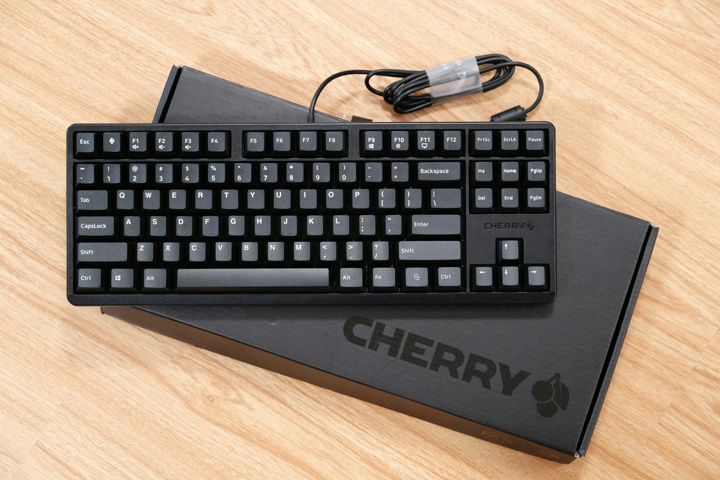 CHERRY_G80-3000_S_TKL_08.jpg