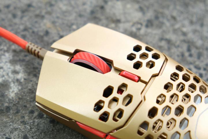 Cooler_Master_MM711_Golden_Red_08.jpg