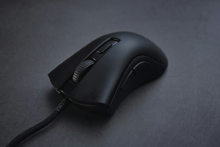 Razer_DeathAdder_V2_Mini_Dismantle_01.jpg