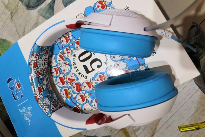 Razer_Kraken_X_Doraemon_01.jpg