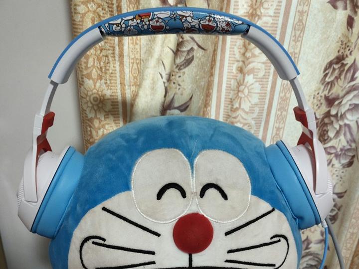 Razer_Kraken_X_Doraemon_10.jpg