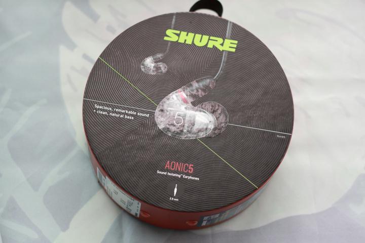 SHURE_AONIC_5_01.jpg