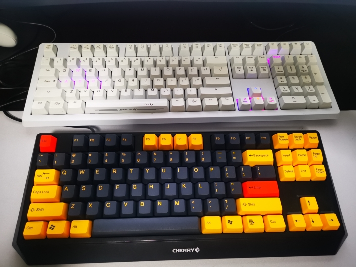 Show_Your_Mechanical_Keyboard_Part133_13.jpg