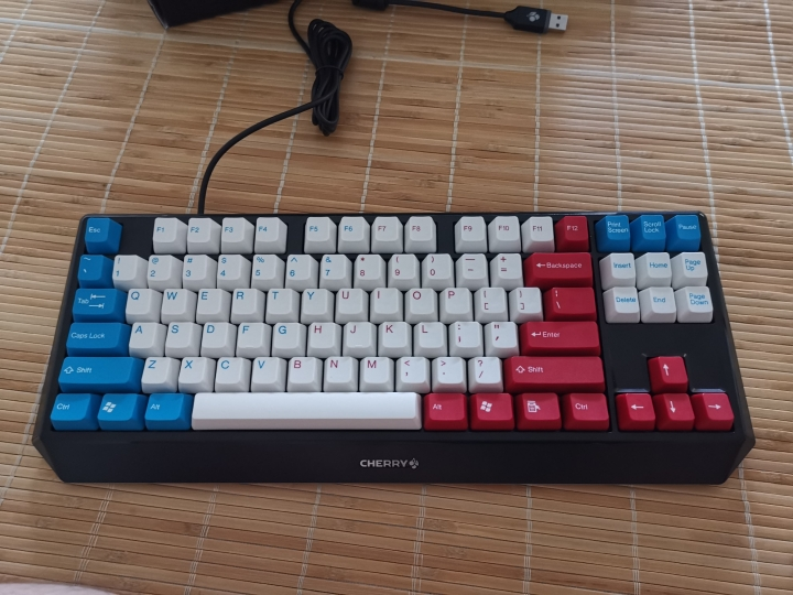 Show_Your_Mechanical_Keyboard_Part133_20.jpg