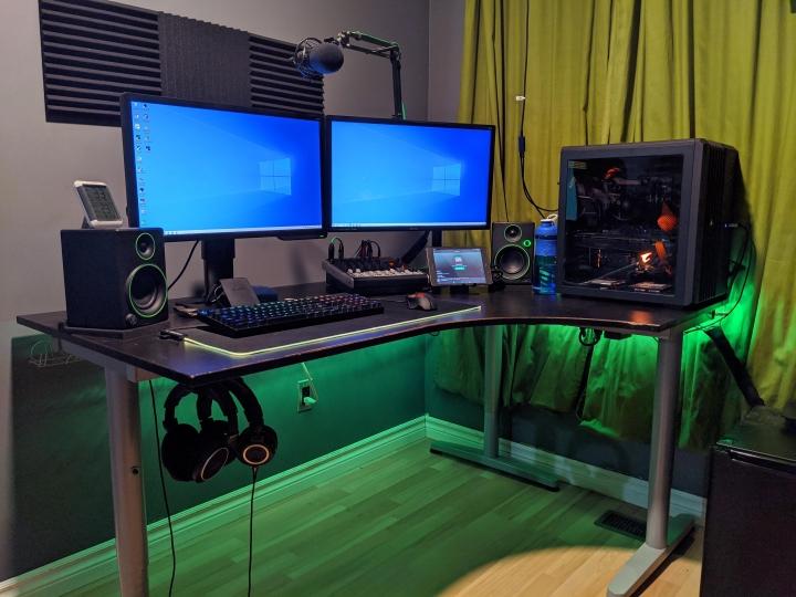Show_Your_PC_Desk_Part194_23.jpg