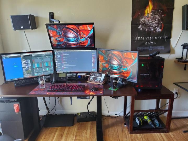 Show_Your_PC_Desk_Part194_39.jpg