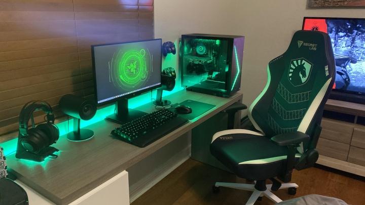 Show_Your_PC_Desk_Part194_63.jpg