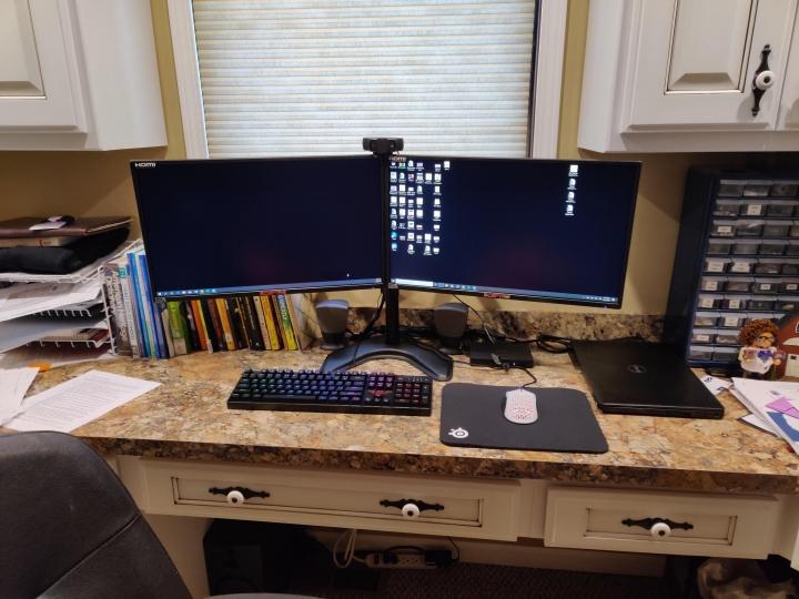 Show_Your_PC_Desk_Part194_66.jpg