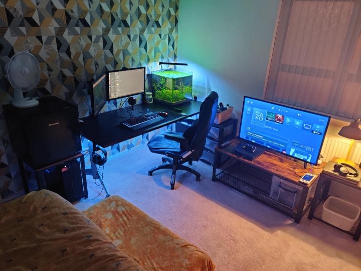 Show_Your_PC_Desk_Part194_82.jpg