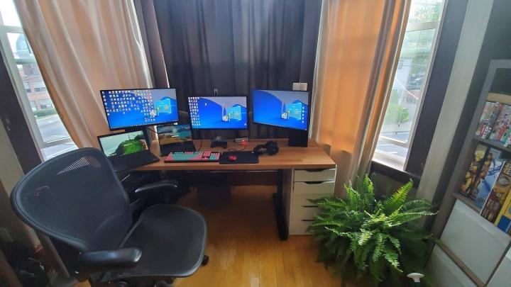 Show_Your_PC_Desk_Part194_85.jpg