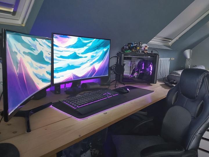 Show_Your_PC_Desk_Part196_26.jpg