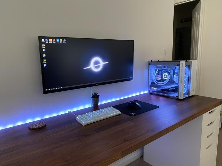 Show_Your_PC_Desk_UltlaWideMonitor_Part59_05.jpg