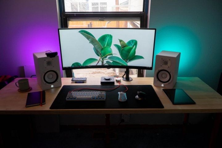 Show_Your_PC_Desk_UltlaWideMonitor_Part59_22.jpg