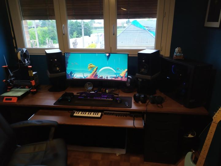 Show_Your_PC_Desk_UltlaWideMonitor_Part59_35.jpg