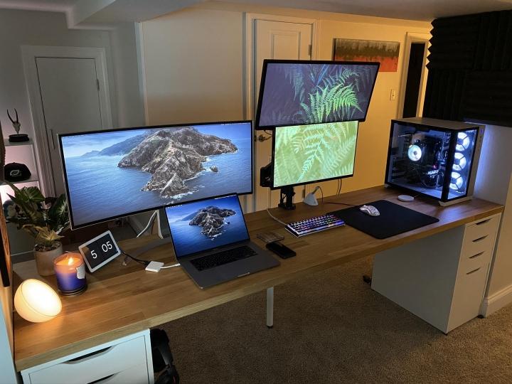 Show_Your_PC_Desk_UltlaWideMonitor_Part59_55.jpg