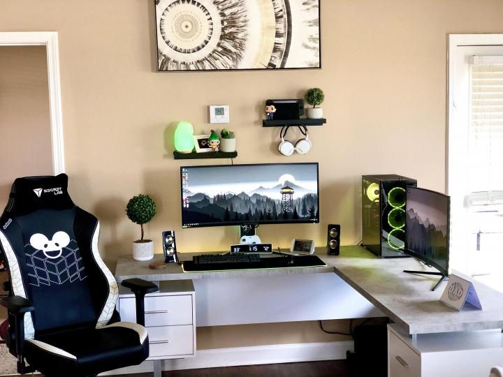 Show_Your_PC_Desk_UltlaWideMonitor_Part59_74.jpg