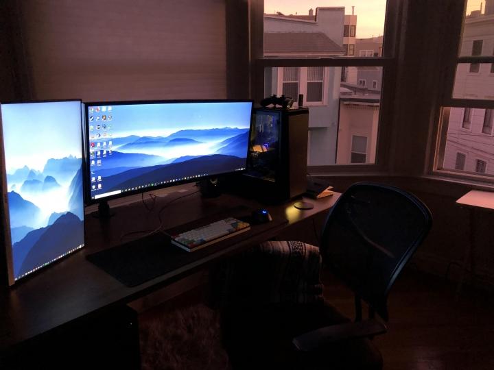 Show_Your_PC_Desk_UltlaWideMonitor_Part59_80.jpg