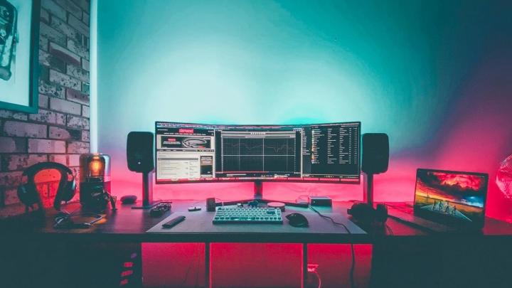 Show_Your_PC_Desk_UltlaWideMonitor_Part59_84.jpg